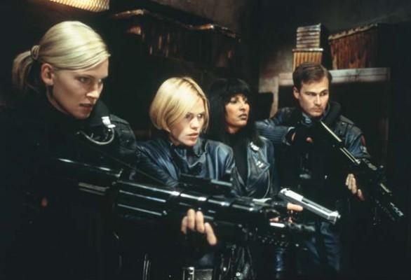 Natasha Henstridge, Clea Duvall, Pam Grier y Liam Waite en Fantasmas de Marte