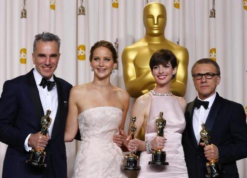 Daniel Day-Lewis, Jennifer Lawrence, Anne Hathaway y Christoph Waltz con sus Oscars 2013