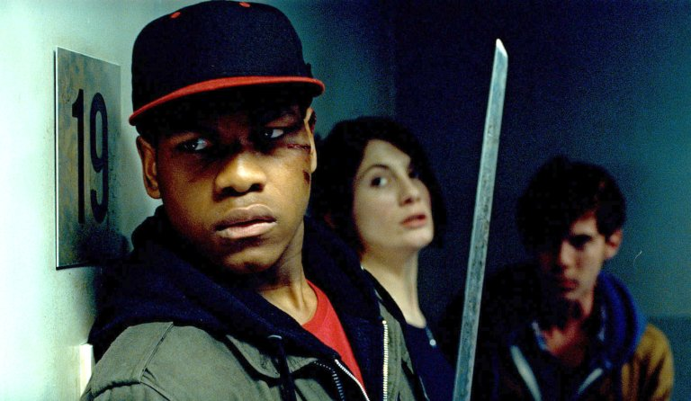 John Boyega, Jodie Whittaker y Luke Treadaway en Attack the Block