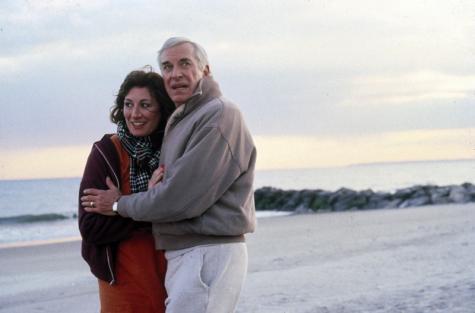 Anjelica Husto y Martin landau en Delitos y Faltas