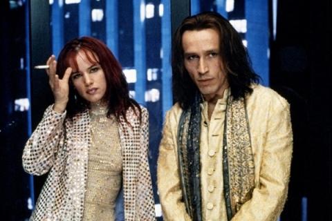 Juliette Lewis y Michael Wincott en Días Extraños