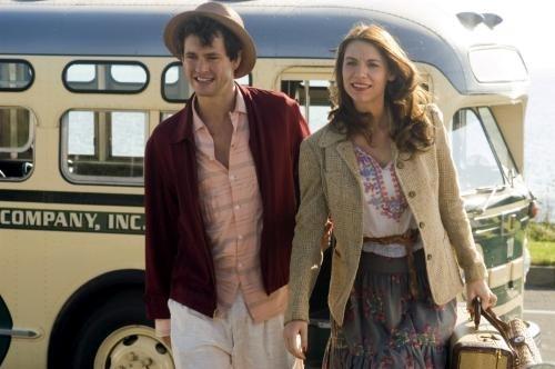 Hugh Dancy y Claire Danes en El Atardecer
