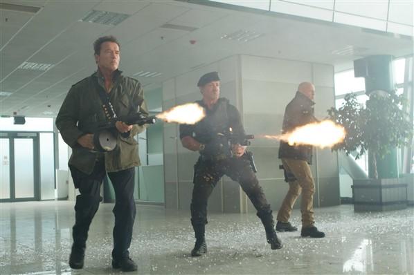 Schwarzenegger, Stallone y Bruce Willis en Los Mercenarios 2