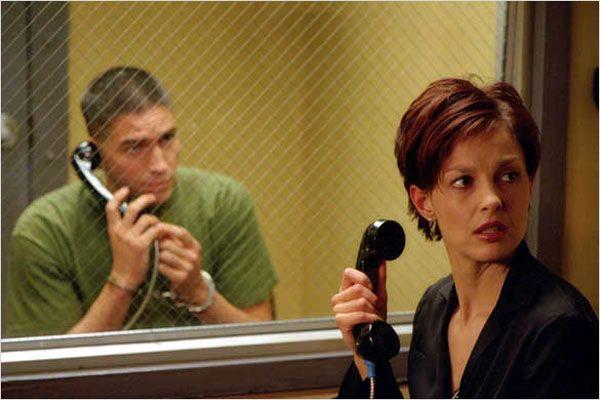 Jim Caviezel y Ashley Judd en Toda la Verdad