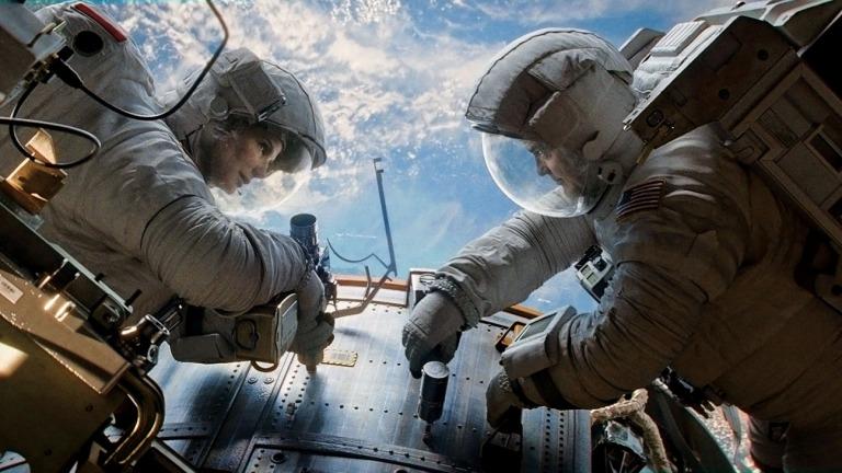 Sandra Bullock y George Clooney en Gravity