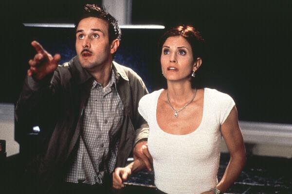 David Arquette y Courteney Cox en Scream 2