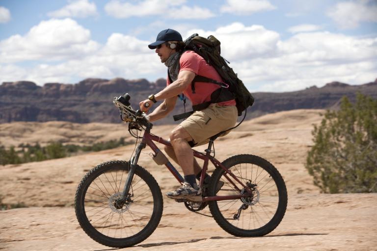 James Franco en bici en 127 Horas