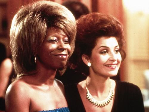 whoopi-goldberg-y-annie-potts-en-jumpin-jack-flash-diario-de-una-cinefila