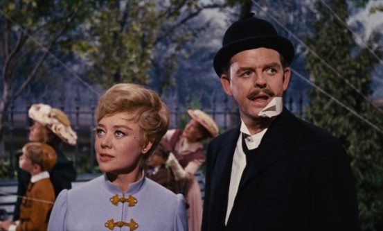 Glynis Johns y David Tomlinson en Mary Poppins