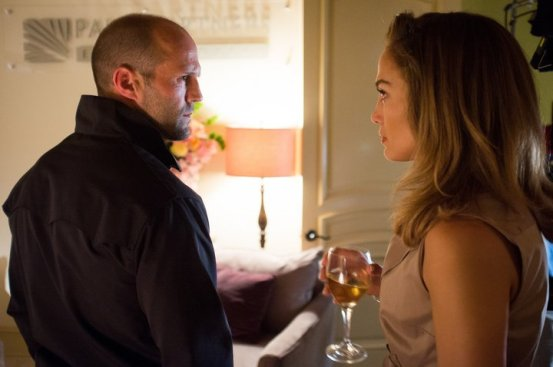 Jason Statham y Jennifer López en Parker
