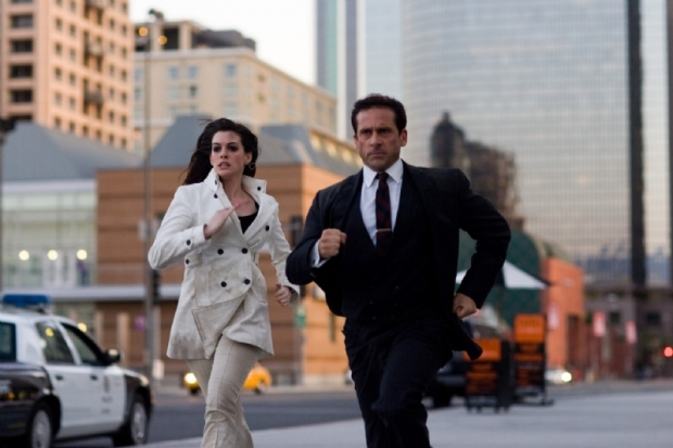 Anne Hathaway y Steve Carell en Superagente 86