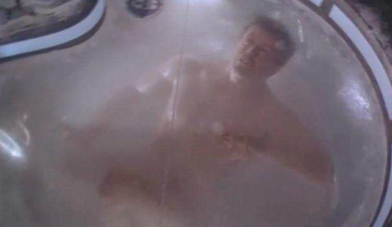 Sylvester Stallone congelado en Demolition Man