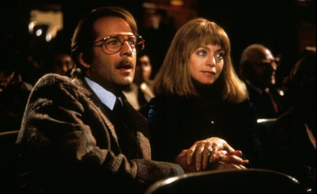 Bruce Willis y Goldie Hawn en La Muerte os Sienta tan Bien
