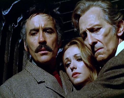 Christopher Lee, Silvia Tortosa y Peter Cushing en Pánico en el Transiberiano
