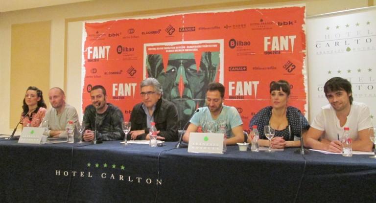 Alfredo Montero y el reparto de La Cueva en el FANT 2014