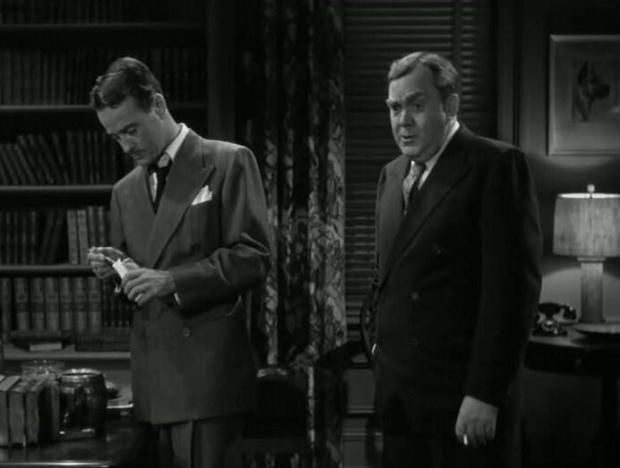 Lew Ayres y Thomas Mitchell en A Través del Espejo