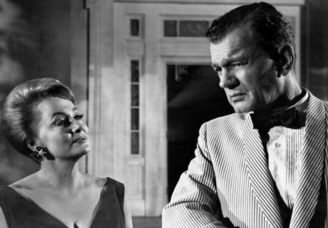 Olivia de Havilland y Joseph Cotten en Canción de Cuna para un Cadáver
