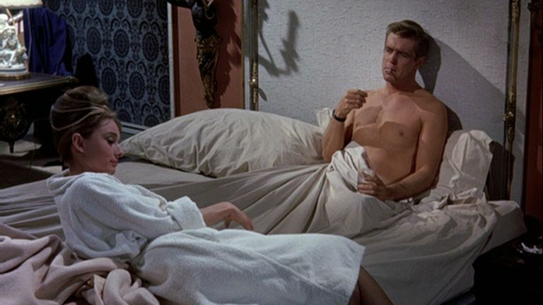 Audrey Hepburn y George Peppard en Desayuno con Diamantes
