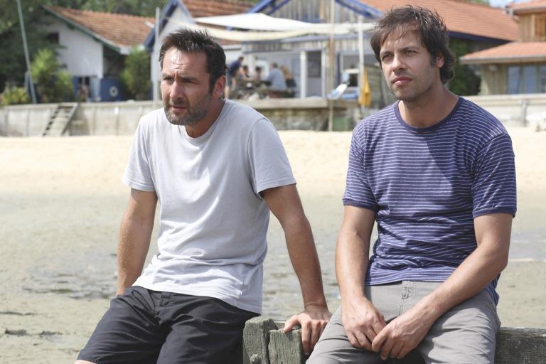 Gilles Lellouche y Laurent Lafitte en Pequeñas Mentiras Sin Importancia