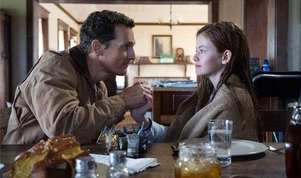 Matthew McConaughey y Mackenzie Foy en Interstellar