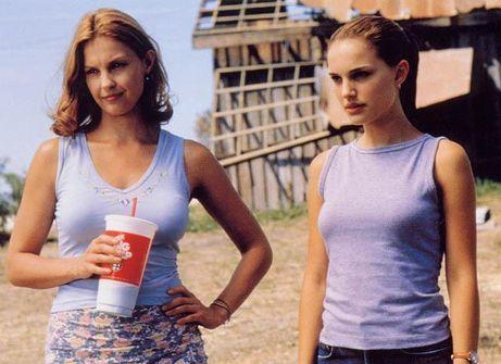 Ashley Judd y Natalie Portman en La Fuerza del Amor