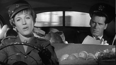 Julie Andrews y James Garner en La Americanización de Emily