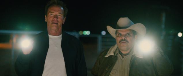 Arnold Schwarzenegger y Luis Guzman en El Último Desafío