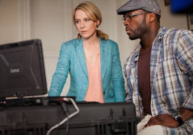 Amy Ryan y 50 Cent en Plan de Escape
