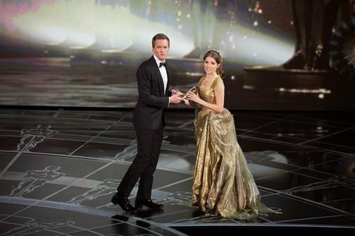 Neil Patrick Harris y Anna Kendrick en los Oscar 2015