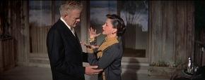 Charles Bickford y Judy Garland en Ha Nacido una Estrella