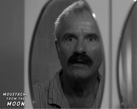 Cortometraje Moustache From the Moon
