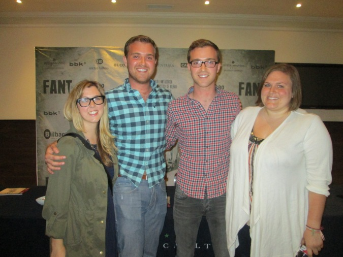 Aaron y Austin keeling junto a Natalie Jones en FANT 2015
