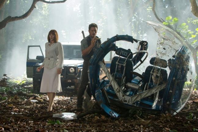 Bryce Dallas Howard y Chris Pratt en Jurassic World
