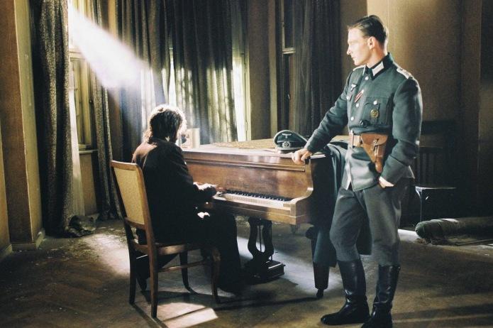 Adrien Brody y Thomas Kretschmann en El Pianista