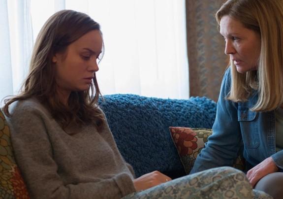 Brie Larson y Joan Allen en Room