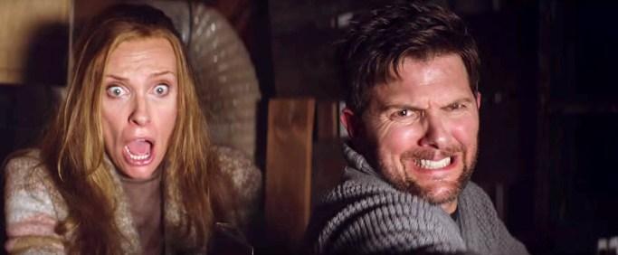 Toni Collette y Adam Scott en Krampus