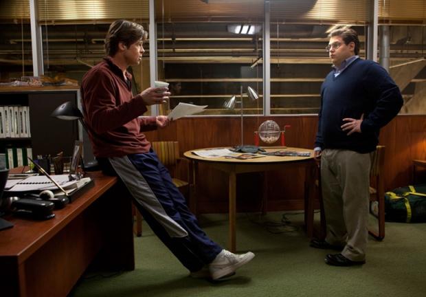 Brad Pitt y Jonah Hill en Moneyball