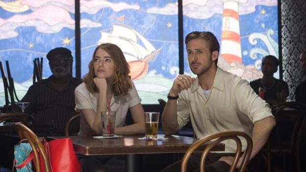Emma Stone y Ryan Gosling en la La Land
