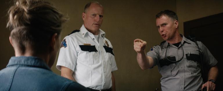 Woody Harrelson y Sam Rockwell en Tres Anuncias en las Afueras