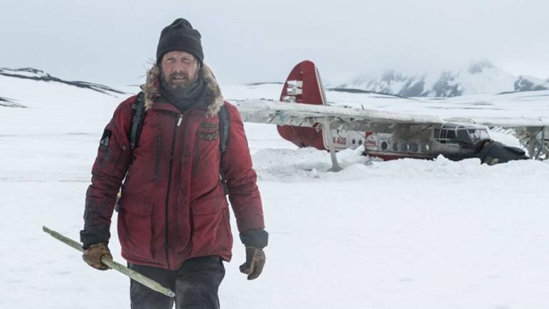 Mads Mikkelsen en Ártico