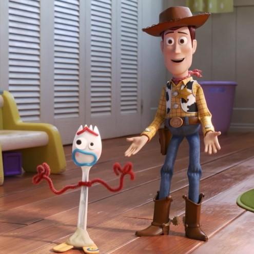 Forky y Woody en Toy Story 4