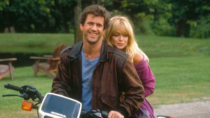 Mel Gibson y Goldie Hawn en Dos Pájaros a Tiro