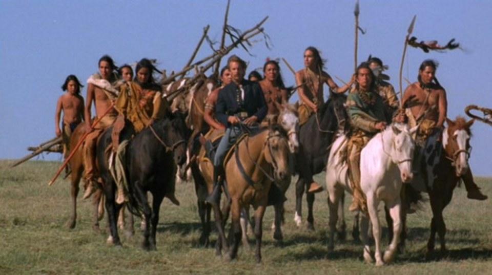 Kevin Coster y Graham Greene en Bailando con Lobos