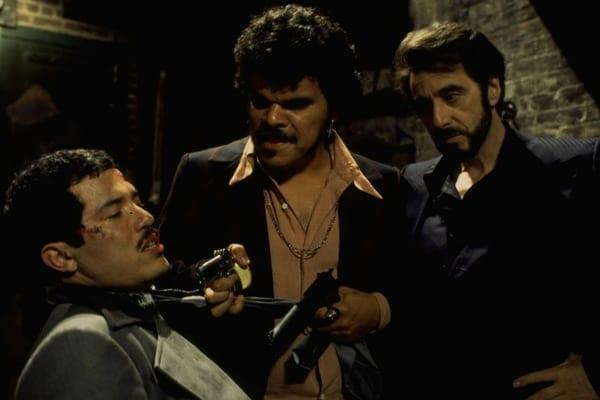 John Leguizamo, Luis Guzmán y Al Pacino en Atrapado por su Pasado