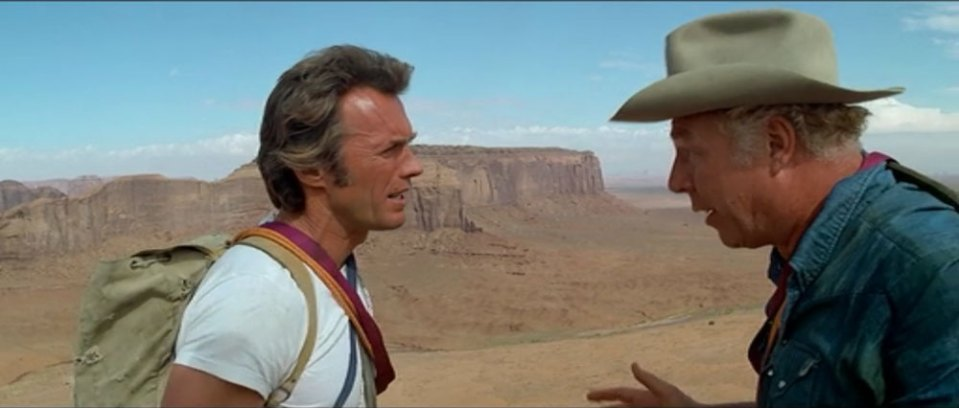 Clint Eastwood y George Kennedy en Licencia para Matar