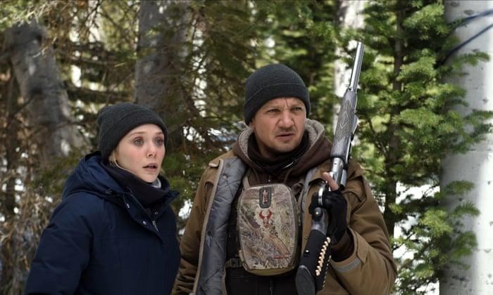 Elizabeth Olsen y Jeremy Renner en Wind River