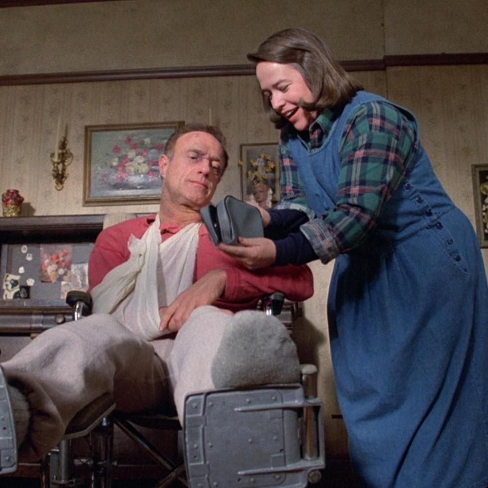 James Caan y Kathy Bates en Misery
