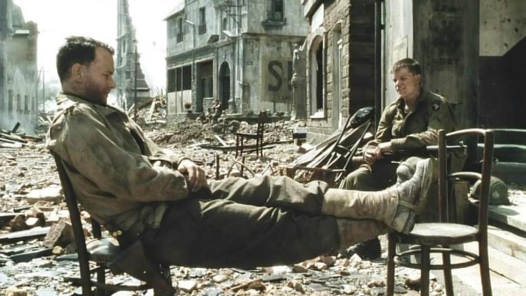 Tom Hanks y Matt Damon en Salvar al Soldado Ryan